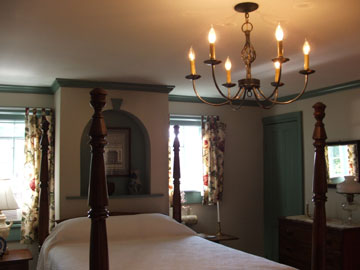 Halcyon Place Bed and Breakfast-The Tolbert Room