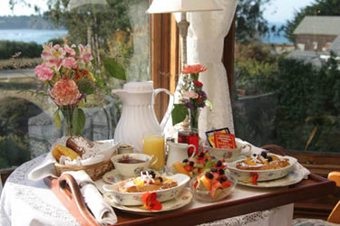 Headlands Inn Bed & Breakfast, Enjoy A Delicious Breakfast Each Morning
