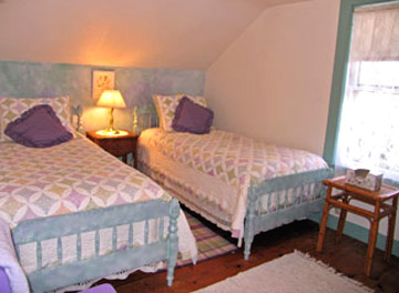 Stone House Farm Bed & Breakfast, The Lavender Room