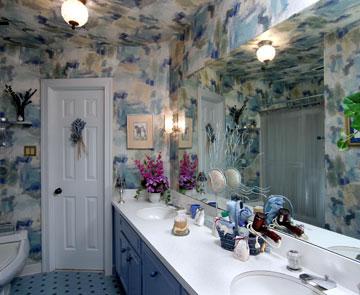 Matthews Manor B&B-Wedgewood Bathroom