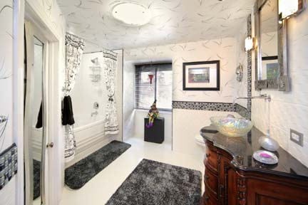 Matthew's Manor- The Vizcaya Bathroom