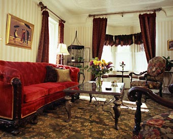 England House Bed and Breakfast living room
