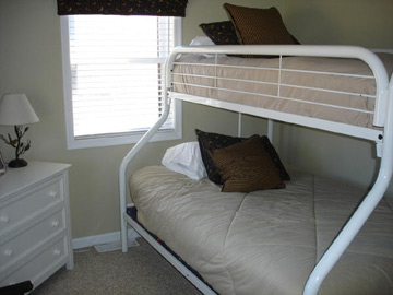 Bunk Bed w/ Double Bed Below