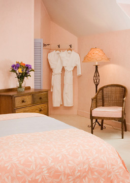 Arch Cape Inn and Retreat, Wrap yourself in a Fluffy Bathrobe