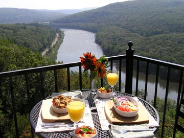 ECCE Bed and Breakfast-Sumptuous Country Breakfast