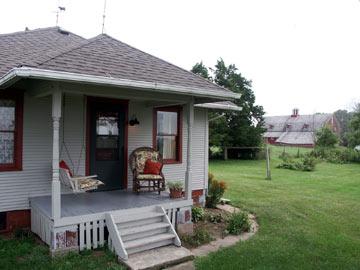 Walnut Grove Farm Guest House - Knoxville, Illinois