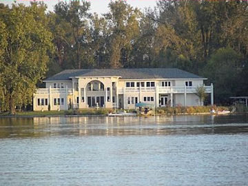 Blue Heron Guest House - Winona Lake, Indiana