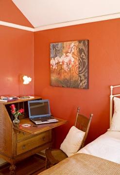 Hillcrest House Bed & Breakfast, Gaslamp Room Work Desk Area