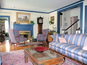 Terrell House Bed and Breakfast The Parlor