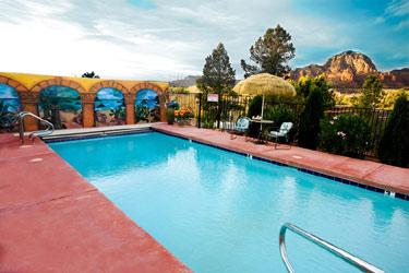 A Sunset Chateau B&B, Pool