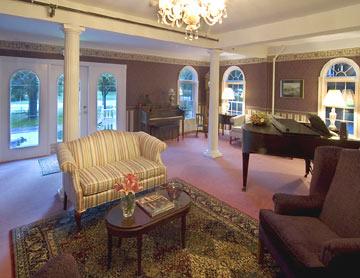 Riverside Inn Bed and Breakfast, Living Room