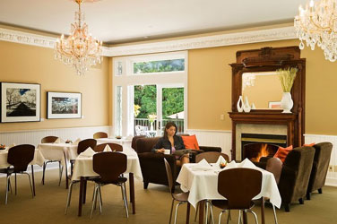 The White House Inn & Spa Dining Salon