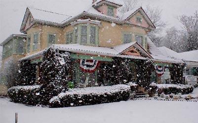 Arcadian Inn Bed & Breakfast-The Arcadian Inn with Snow