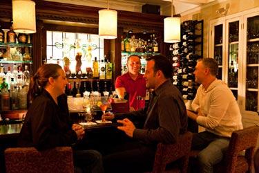 Crowne Pointe Historic Inn & Spa-The Bistro Bar