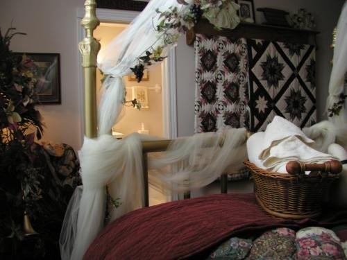 Canterbury Chateau Bed & Breakfast-The Canterbury Room