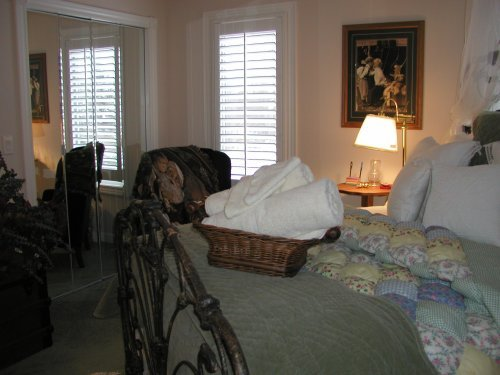 Canterbury Chateau Bed & Breakfast-TheChateau Room