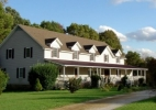 grey-gables-bandb-inn-front-of-house-with-light.jpg
