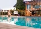 country-willows-inn-pool.JPG