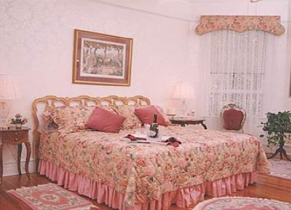 Songbird Manor Bed and Breakfast, bedroom