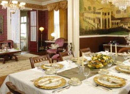 Bedford Inn Victorian Bed & Breakfast, dining room