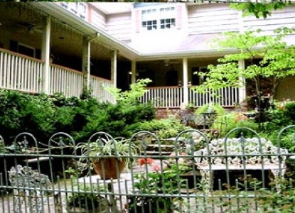 House of Nahum Bed & Breakfast, courtyard