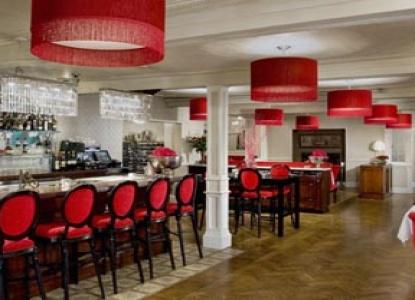 Relais & Chateaux Camden Harbour Inn,  Natalie's