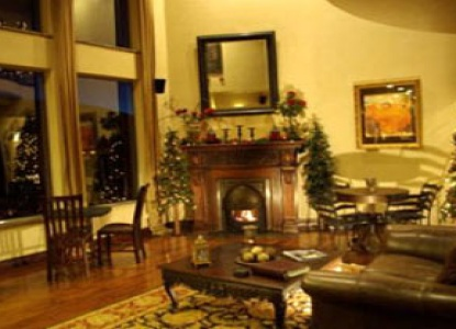 Arrowhead Manor Luxury BNB & Event Center-Fireplace