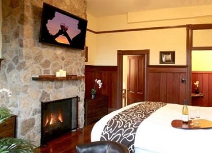 Cabernet House, An Old World Inn bedroom