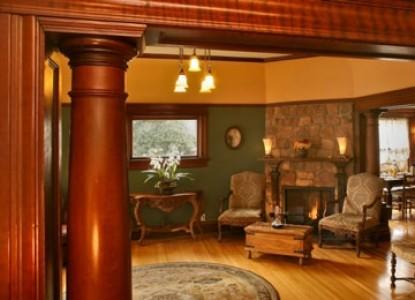 Cabernet House, An Old World Inn fireplace