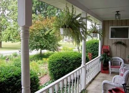 Olde Buffalo Inn Bed & Breakfast, porch