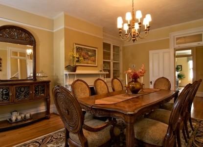 Oak Hill on Love Lane - dining room