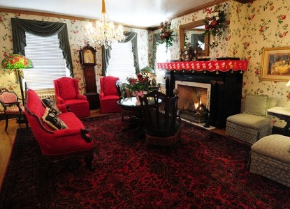 Tara- A Country Inn, living room