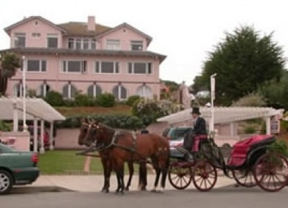 Martine Inn-Horse & Buggy