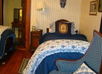 Breeden Inn Bed & Breakfast, South Carolina, hewes of blue