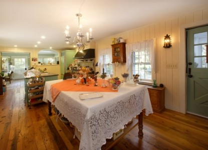 Caldwell House Bed and Breakfast, dining area