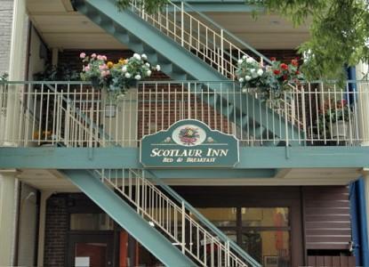 Scotlaur Inn Bed & Breakfast stairs