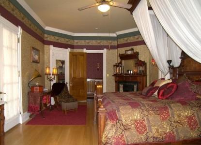 Alexander Mansion Bed and Breakfast D.C. Alexander Suite