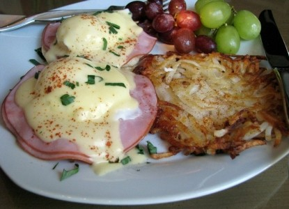 White Oak Manor Bed and Breakfast eggs benedict