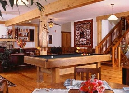 Bent Creek Lodge pool table