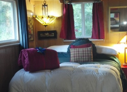 The Rainbow Inn Guest House Bed & Breakfast, bedroom