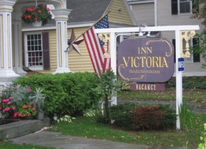 Inn Victoria, Chester, Vermont, sign