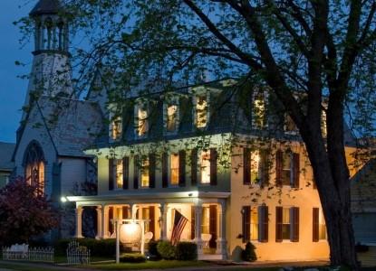 Inn Victoria, Chester, Vermont, front
