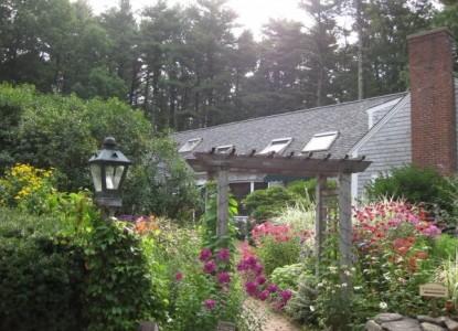 The Morning Glory Inn flowering gardens