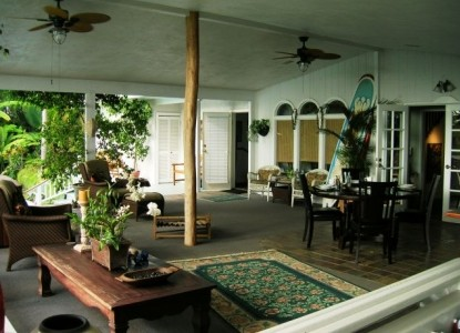 Orchid Tree Bed & Breakfast, Dining