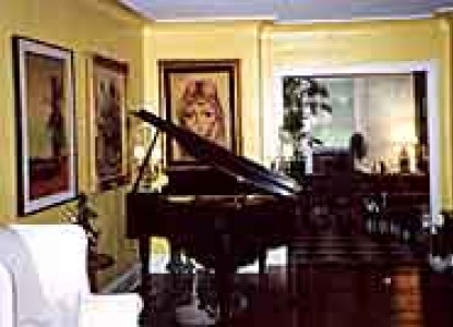 Ravinia Guest House Piano
