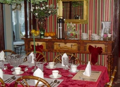 The Mansion Bed & Breakfast-Dining Table