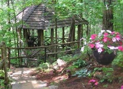 Richmont Inn Woods Chapel