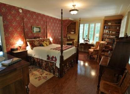 East Hills Bed & Breakfast Inn, lovell cottage 3
