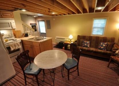 East Hills Bed & Breakfast Inn, meek red barn1