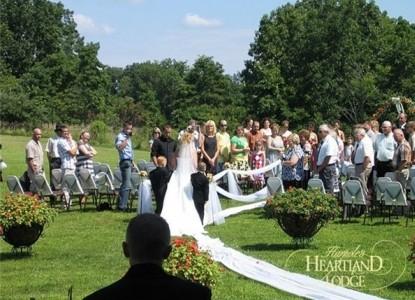 Harpole's Heartland Lodge wedding